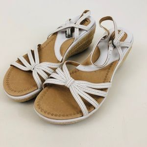 Clarks Artisan Collection White Wedge Sandals 7